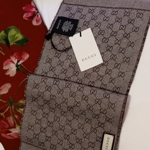 """NWT AUTHENTIC GUCCI Reversible Wool Scarf, 8""""X 68"""""""